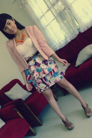 light orange peplum Fièvre skirt - pink cross-marked Adah Belle blazer