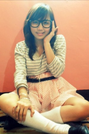 belt - glasses - long sleeves blouse - skirt - flats