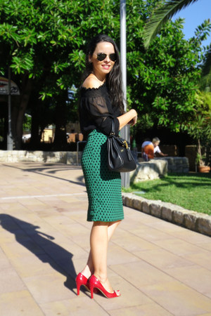dark green H&amp;M skirt - black Aldo bag - black H&amp;M bra - black Zara blouse