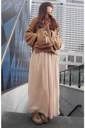 tan vintage boots - tan vintage coat - tan Zara sweater - black Zara bag