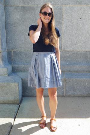 blue madewell skirt - tan madewell sandals - navy madewell t-shirt