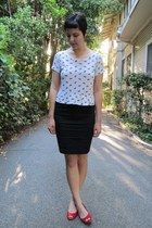 white thrifted H&M top - black H&M skirt - red thrifted Jazzberry flats