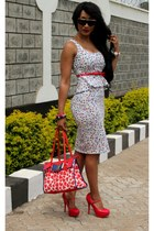 navy 2NU dress - red 2NU heels