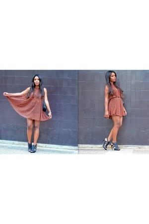 black Zara shoes - coral H&M dress
