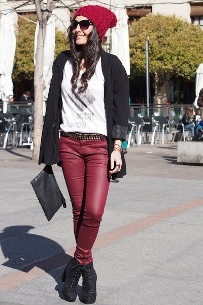 black H&M blazer - white Zara t-shirt - brick red Stradivarius pants