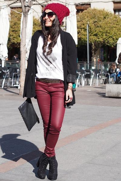 black H&M blazer - white Zara t-shirt - brick red Stradivarius pants