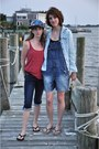 Navy-capri-bloomingdales-jeans-blue-hat-black-flip-flops-sandals
