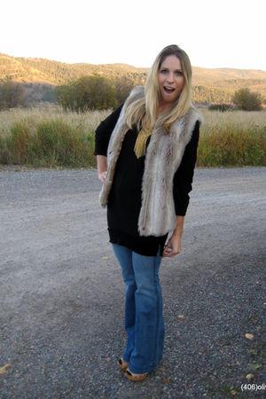 J Brand jeans - Steve Madden clogs - vintage vest - vintage necklace