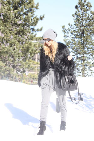 black Topshop coat - gray GINA TRICOT pants - black Zara shoes - black Zara purs