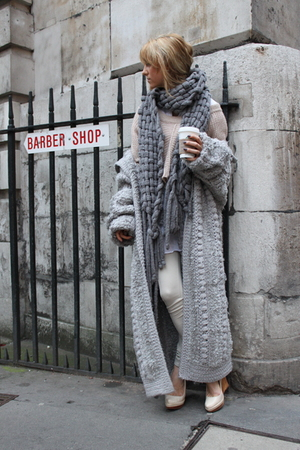 gray unique knit Topshop sweater - beige knit Topshop sweater - beige Aldo shoes