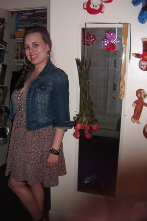 floral print Forever 21 dress - denim jacket Forever 21 jacket - Forever 21 acce