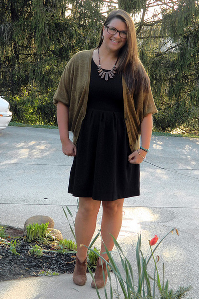brown Nine West boots - black kohls dress - dark khaki Loft cardigan
