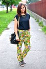 Black-parfois-bag-black-deichmann-sandals-chartreuse-terranova-pants