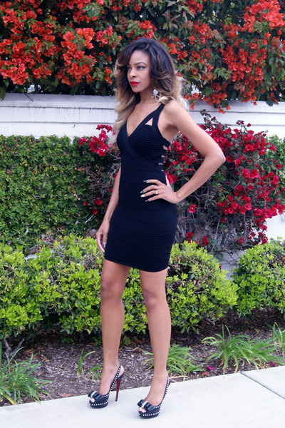black body con 2bstores dress - black peep toe Christian Louboutin heels