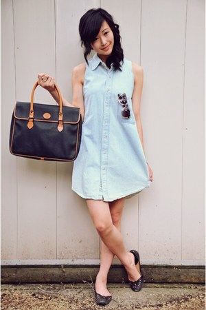 light blue dress - navy bag - burnt orange f21 sunglasses - black black flats Ni