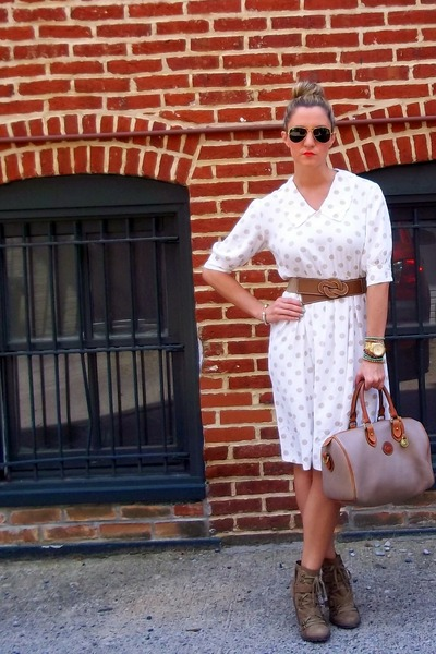 white vintage dress - tan vintage db dooney & burke bag - dark gray Ray bans sun