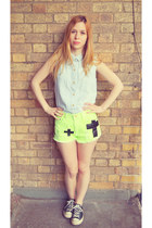 Chicwish shorts - Glamorous shirt - Converse sneakers