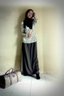 Black-shoes-black-shawl-scarf-brown-bag-floral-printed-blouse-grey-skirt