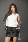 Black-leopard-mango-jacket-white-mango-shirt-black-leather-mango-skirt