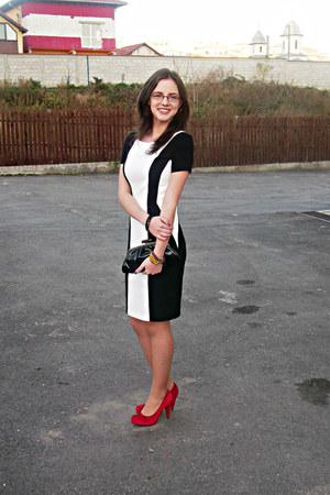 black and white Orsay dress - black purse - red pumps - c&a bracelet