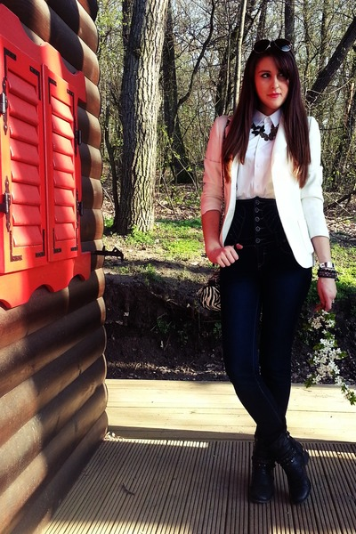 ivory blazer - black boots - navy jeans - white shirt - dark gray accessories