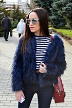 Bershka coat - Zara bag - H&M sunglasses - nike sneakers - Zara blouse