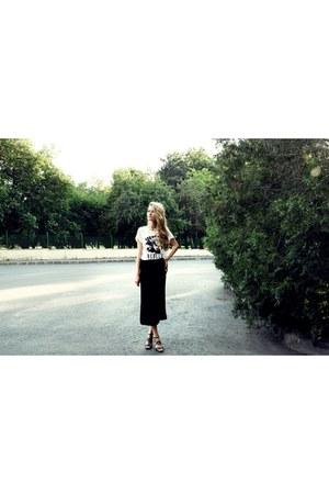 H&M t-shirt - vintage skirt - jean paul gaultier heels