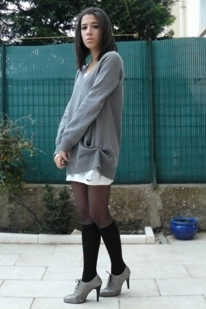 Zara sweater - Petit Bateau dress - H&M socks - Minelli shoes