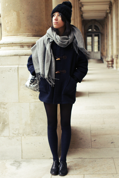 The Kooples Gray Sweater Levi's Blue Shorts Guerissol Blue Coat Cos Blue Socks Topshop Black Shoes New Look Black Hat