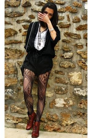 Naf Naf - Le Bourget tights - Topshop shoes - Mango top - Episode purse