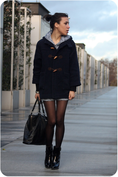Guerrisol Blue Coat American Apparel White Dress Mellow Yellow Black Boots Addicted Black Purse