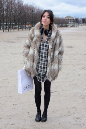 beige faux fur H&M coat - black Topshop shoes - black Maje dress