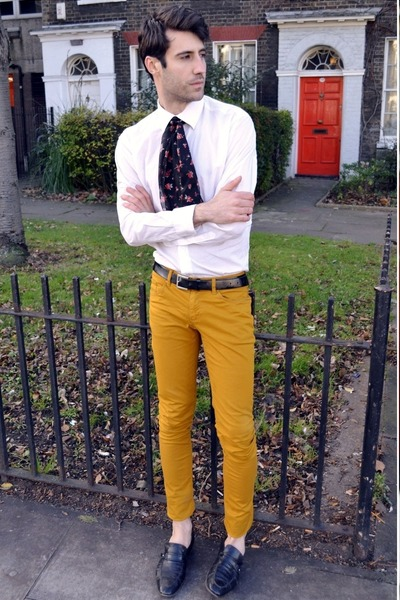 mustard pants - white shirt - black loafers