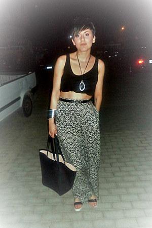 black H M bag - off white Stradivarius pants - black Stradivarius blouse