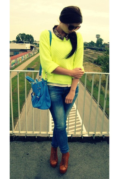 yellow no name sweater - bronze Ebay boots - blue Bershka jeans