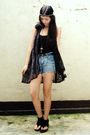 Black-terranova-top-black-clad-shoppe-vest-shorts-black-shoes