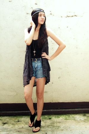 black Terranova top - black Clad Shoppe vest - shorts - black shoes
