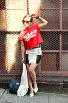 red cropped Topshop t-shirt - white Urban Outfitters jacket