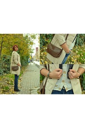 vintage shirt - boyfriend jeans jeans - leather vintage bag - vintage vest