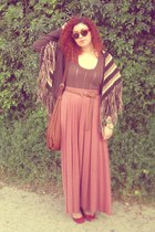 vintage cape - H&M bag - Zara top - Zara flats - Stradivarius belt - H&M skirt