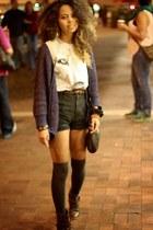light blue wolf t-shirt - dark brown studded Mossimo boots