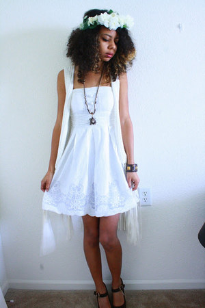 white dress - white hat - white fringe H&amp;M cardigan