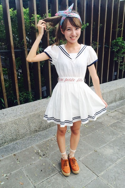 white sailor dress e hyphen world gallery dress