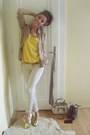 Beige-skinny-berhska-jeans-tan-chiffon-loose-bershka-shirt