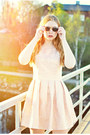 Light-pink-pearl-pink-jollychic-dress-black-giantvintage-sunglasses