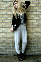 black H&M blazer - white H&M top - beige H&M pants - black ROOTS shoes - black