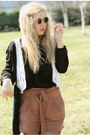 Black-monki-shirt-brown-paper-bag-h-m-shorts-black-lennon-80s-purple-sunglas