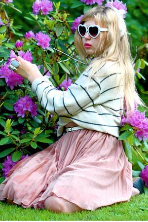 white striped bought in santorini sweater - white heart shaped 80s Purple sungla