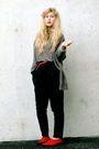 White-zara-sweater-gray-frk-cardigan-gina-tricot-pants-second-hand-shoes