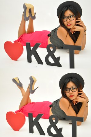 Kiss and Tell pumps